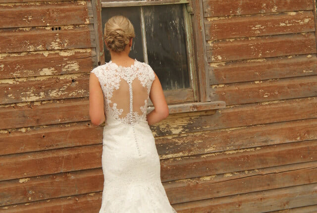 Allure Bridals – Size 8 Petite dress | Second hand wedding dresses West WYalong - 3