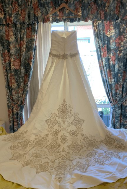 Oleg Cassini – Size 8 Ball Gown dress | Second hand wedding dresses WALKLEY HEIGHTS - 6