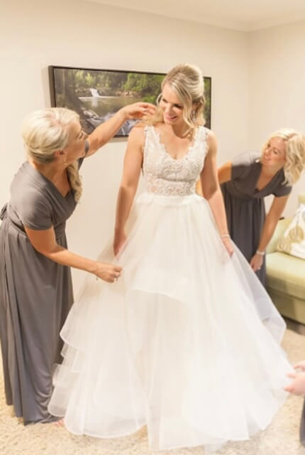 Cizzy Bridal – Size 8 Ball Gown dress   Second hand wedding dresses Bray Park - 3