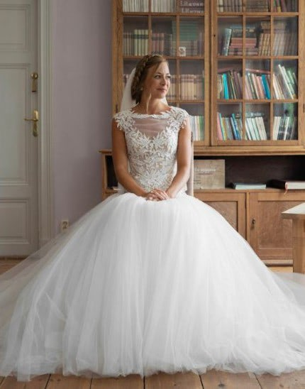 Martina Liana – Size 10 Ball Gown dress | Second hand wedding dresses Lane Cove North - Size 8