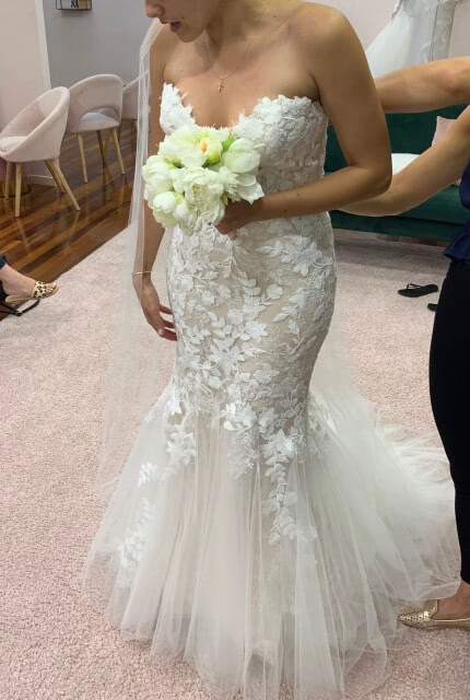 Enzoani – Size 8 Fishtail dress | Second hand wedding dresses Beverly Hills - Size 8