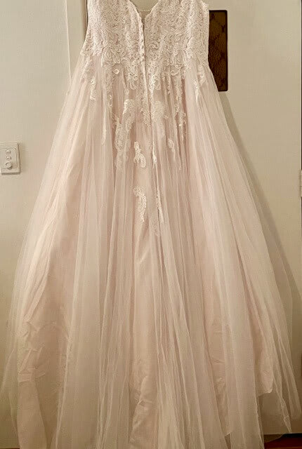 Stella York – Size 22 A-Line dress | Second hand wedding dresses Cammeray - 4