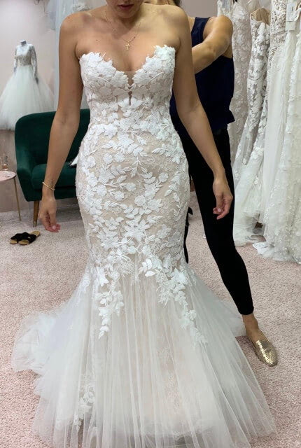 Enzoani – Size 8 Fishtail dress | Second hand wedding dresses Beverly Hills - 2
