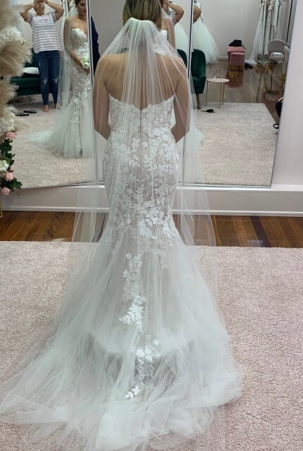 Enzoani – Size 8 Fishtail dress | Second hand wedding dresses Beverly Hills - 5