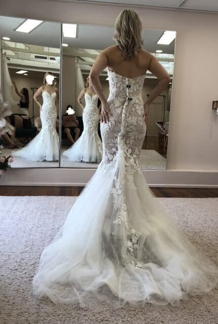 Enzoani – Size 6 Fit and Flare dress | Second hand wedding dresses Park Ridge - Size 6