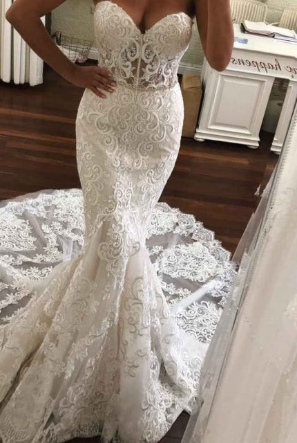 Aubrey Rose – Size 6 Fishtail dress | Second hand wedding dresses Doubleview - Size 6