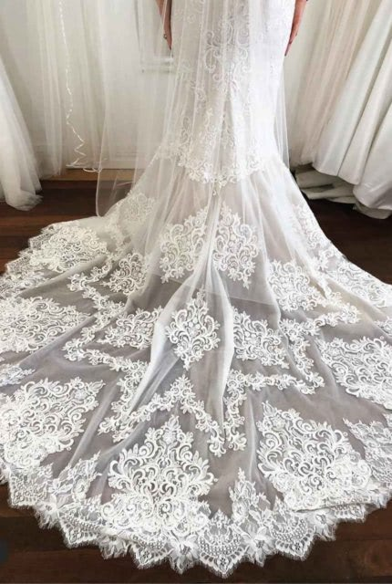 Aubrey Rose – Size 6 Fishtail dress | Second hand wedding dresses Doubleview - 2