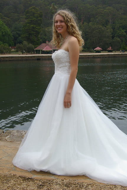 Bridal Chic – Size 12 A-Line dress   Second hand wedding dresses Westmead - 2