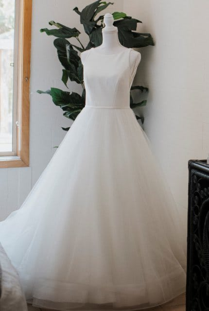 Maggie Sottero – Size 8 Ball Gown dress   Second hand wedding dresses Richmond - Size 8