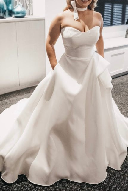 Martina Liana – Size 14 Ball Gown dress | Second hand wedding dresses Wollongong - Size 14
