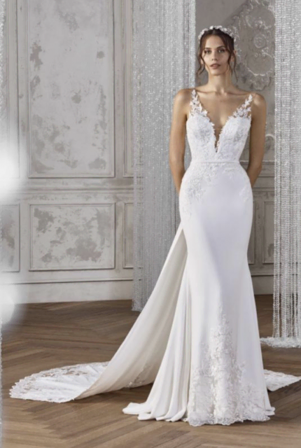 St. Patrick – Size 8 Fit and Flare dress | Second hand wedding dresses Point Cook - Size 8