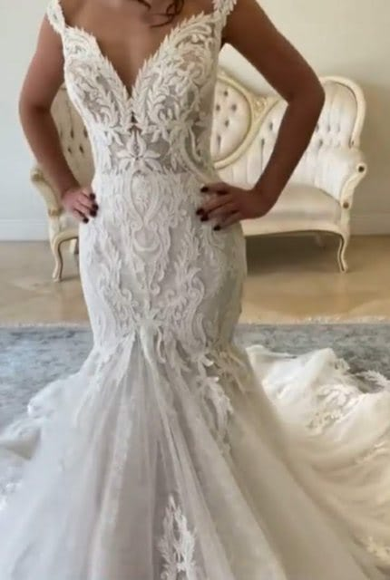 Maggie Sottero – Size 14 Fit and Flare dress | Second hand wedding dresses North Sydney - Size 14