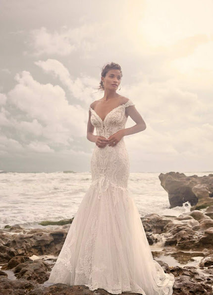 Maggie Sottero – Size 14 Fit and Flare dress | Second hand wedding dresses North Sydney - 3