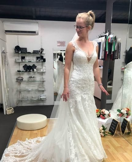 Allure Bridals – Size 6 Fit and Flare dress | Second hand wedding dresses Hamlyn Terrace - Size 6