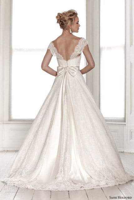 Sassi Holford – Size 12 Ball Gown dress   Second hand wedding dresses Lennah Valley - 2