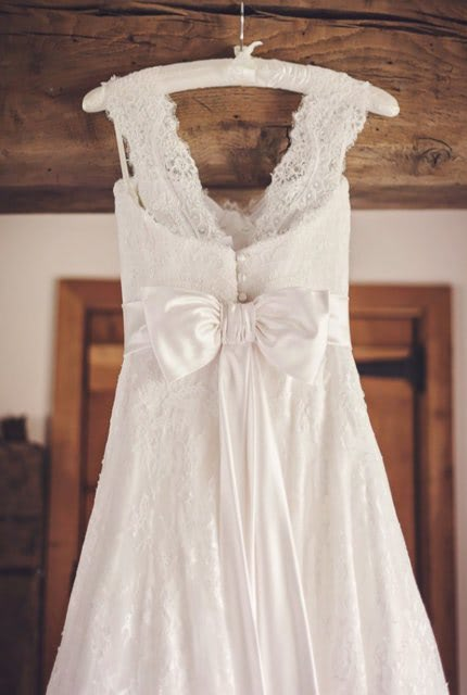 Sassi Holford – Size 12 Ball Gown dress   Second hand wedding dresses Lennah Valley - 3