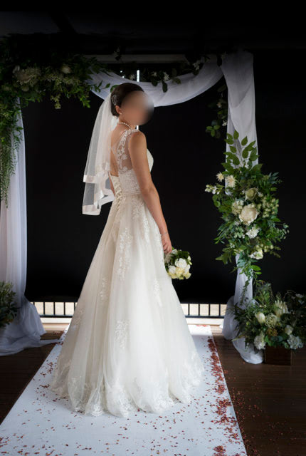 Bespoke / Other – Size 8 A-Line dress   Second hand wedding dresses Clayton South - Size 8