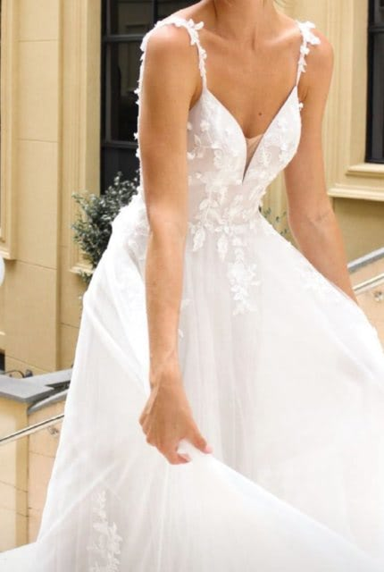 Luv Bridal – Size 14 A-Line dress | Second hand wedding dresses Newcastle - Size 14
